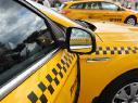 Таксисты могут свободно пользоваться выделительными полосами